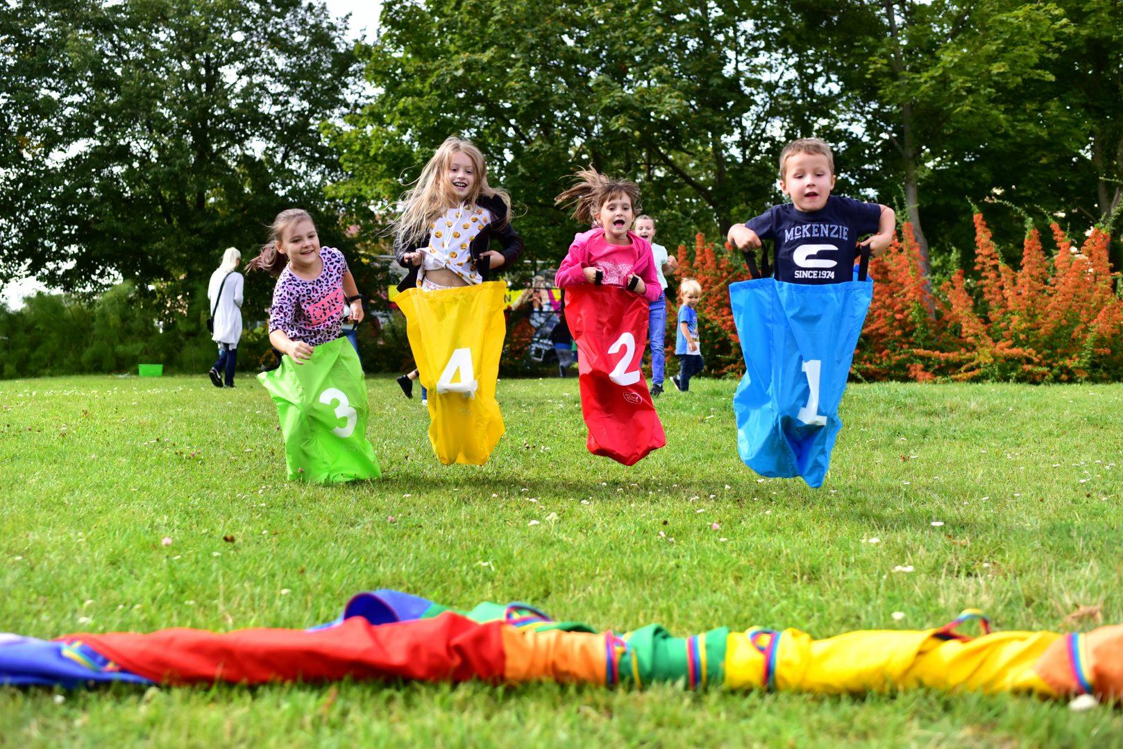 5 Propozycji Zabaw Ruchowych Dla Dziecka - Danimatoring.pl zdjęcie nr 1